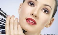 Как наносить косметику во время простуды?