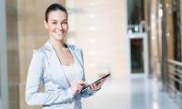 Как должна себя вести деловая женщина?